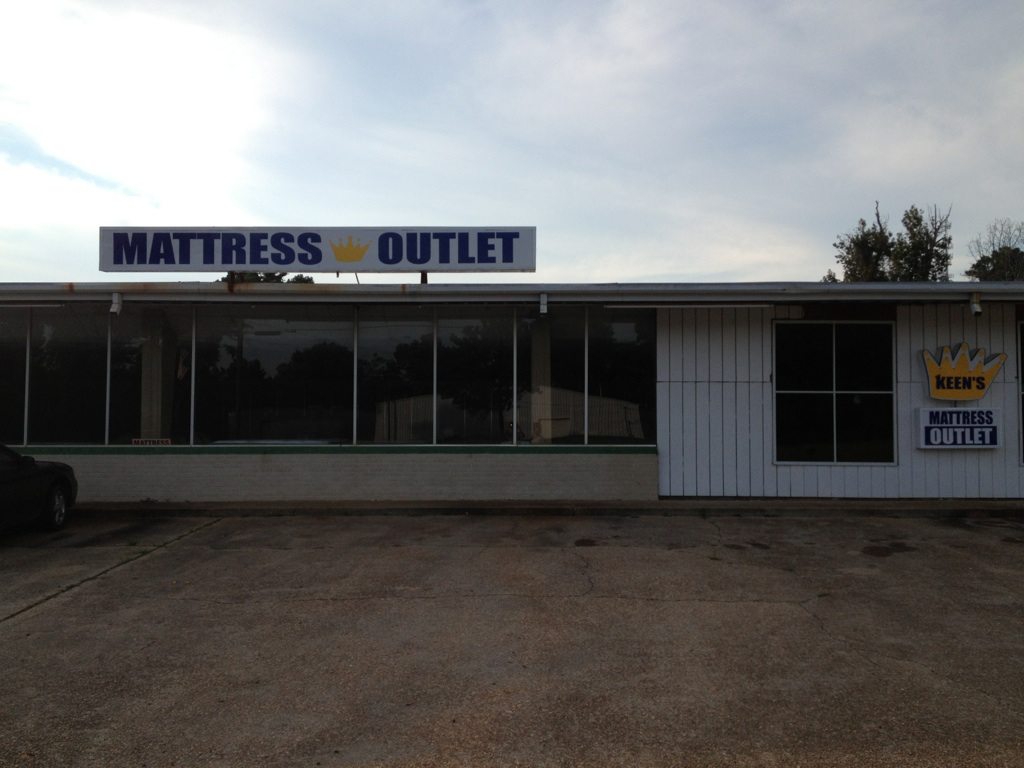 Queen size mattress and bed frame set Meridian Mississippi