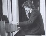 Drake_piano