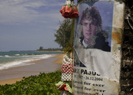 Deborah_bauer-tsunami_victim_mourned_at_khao_lak_-_www