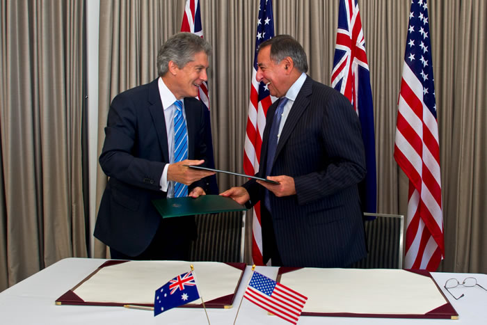 Defense Secretary Leon Panetta and Australian Defense Minister Stephen Smith sign a memorandum of understanding in Perth, Australia, Nov. 14, 2012.  (Photo: DOD)