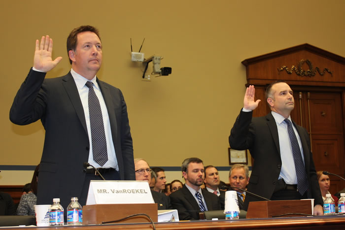U.S. CIO Steven VanRoekel and GAO Director of Information Technology Management Issues Dave Powner swear in for testimony on Tuesday before the House Committee on Oversight and Government Reform. (Photo: David Stegon/FedScoop)