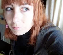 Lili_red01.full