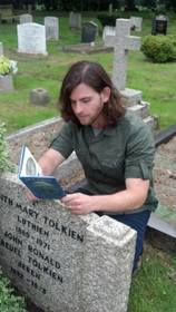 Tolkien's_grave.full