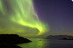 Northern-lights-over-the-fjords.sidebar