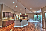 Huge_kitchen