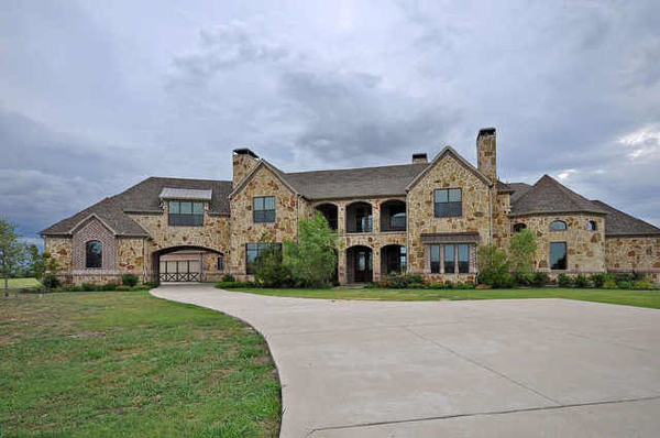 Fieldstone_family_homes_exteriors_(20)