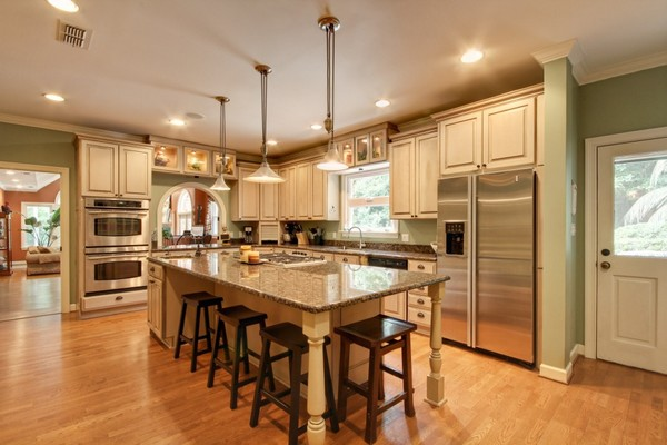 Fieldstone_family_homes_kitchen_(16)