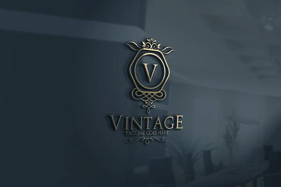 Vintage V3 Logo