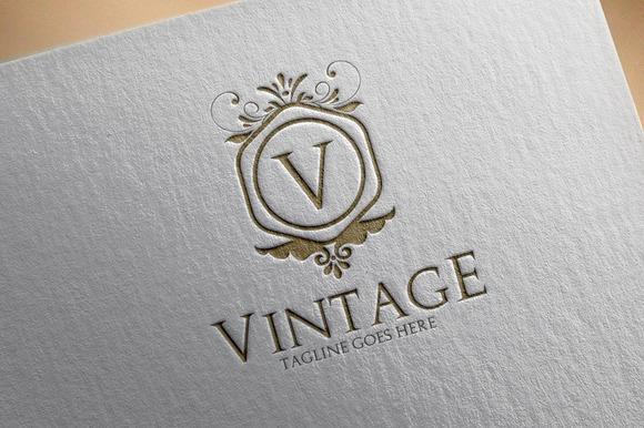 Vintage V4 Logo