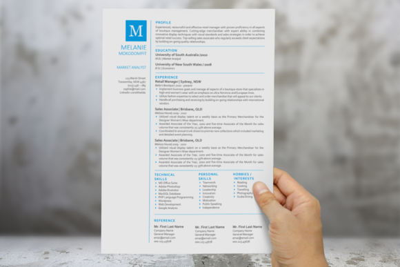 Square Initial Simple Word Resume