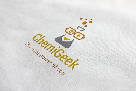 Chemist Geek Logo