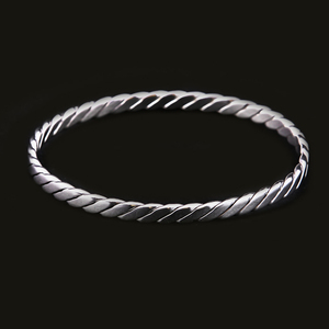 Olivia Swirl Bangle