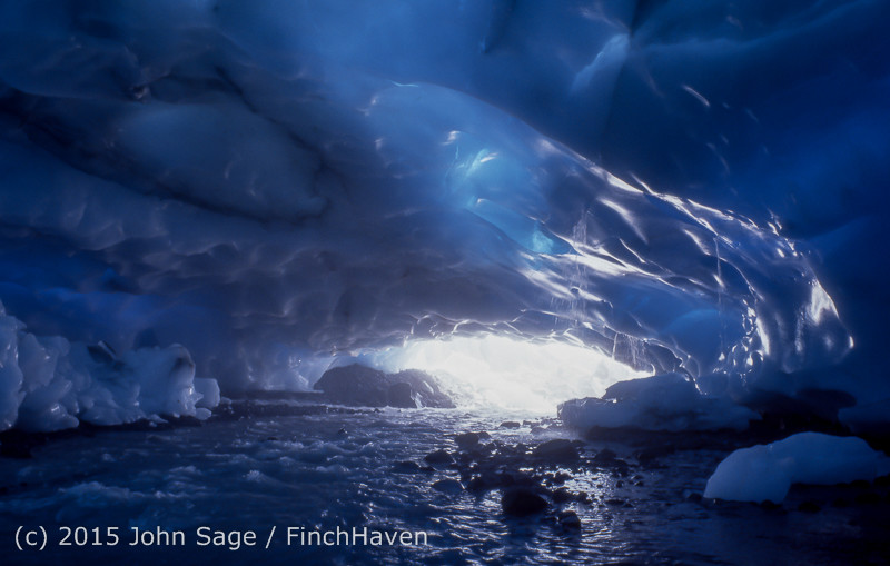 Mount_Rainier_Ice_Caves_fall_1980-14