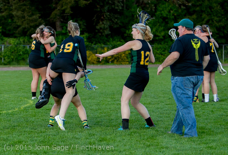 20484 Valkyries LAX Seniors Night 2015 050715