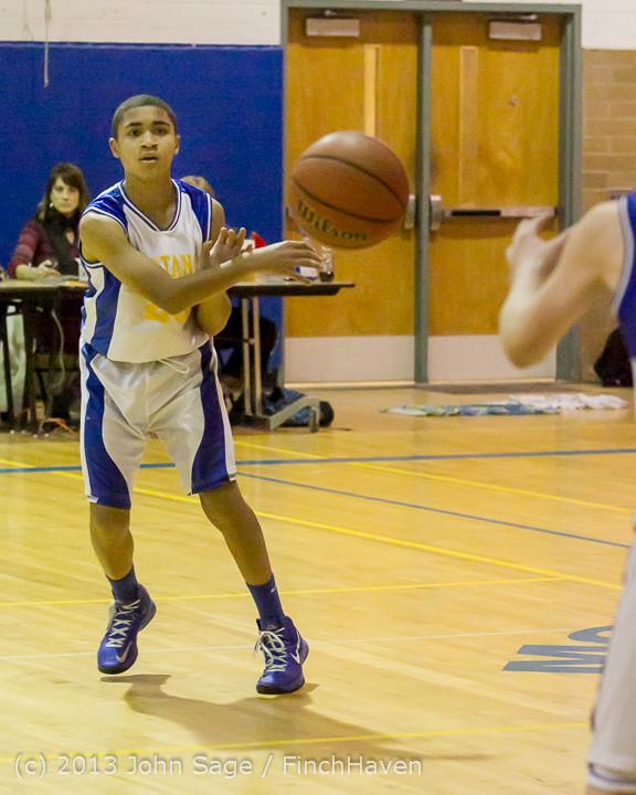 4767_McM_Boys_Varsity_Basketball_v_Klahowya_121213