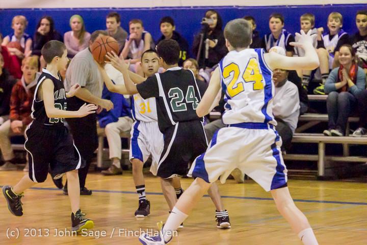 5009 McM Boys Varsity Basketball v Klahowya 121213