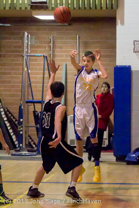 5173 McM Boys Varsity Basketball v Klahowya 121213
