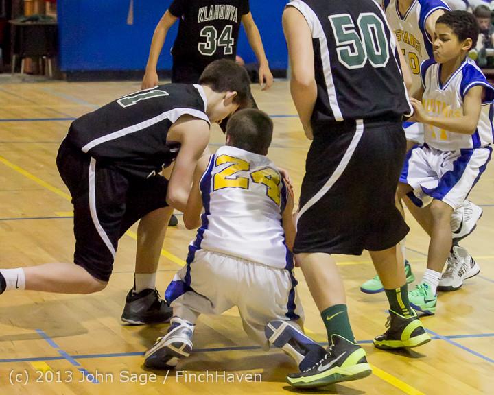 5955 McM Boys Varsity Basketball v Klahowya 121213
