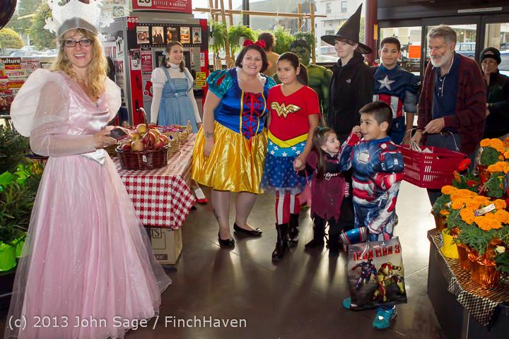 6838_Halloween_on_Vashon_Island_2013_103113