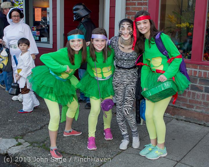 6862_Halloween_on_Vashon_Island_2013_103113