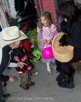 6869 Halloween on Vashon Island 2013 103113