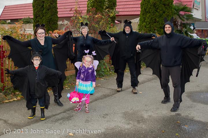6891_Halloween_on_Vashon_Island_2013_103113