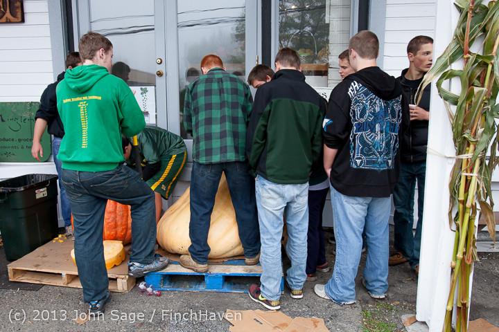 8639 VHS Football guts pumpkins 101913