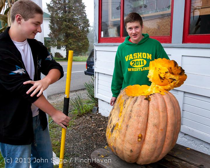 8770 VHS Football guts pumpkins 101913