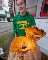 8773 VHS Football guts pumpkins 101913