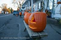 8889 Pumpkin Lighting at the Vashon Roasterie 102713