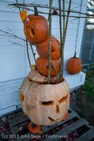 8895 Pumpkin Lighting at the Vashon Roasterie 102713