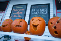 8921 Pumpkin Lighting at the Vashon Roasterie 102713
