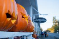 8923 Pumpkin Lighting at the Vashon Roasterie 102713