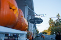 8926 Pumpkin Lighting at the Vashon Roasterie 102713