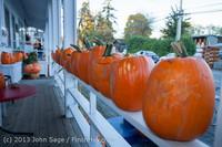 8931 Pumpkin Lighting at the Vashon Roasterie 102713