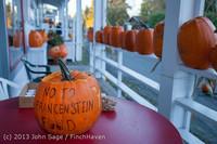 8933 Pumpkin Lighting at the Vashon Roasterie 102713