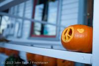 8939 Pumpkin Lighting at the Vashon Roasterie 102713