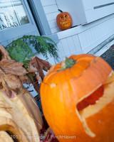 8946 Pumpkin Lighting at the Vashon Roasterie 102713