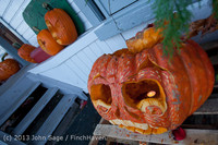 8953 Pumpkin Lighting at the Vashon Roasterie 102713