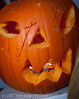 8957 Pumpkin Lighting at the Vashon Roasterie 102713