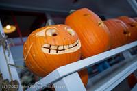 8967 Pumpkin Lighting at the Vashon Roasterie 102713