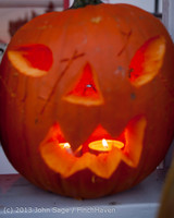 8983 Pumpkin Lighting at the Vashon Roasterie 102713
