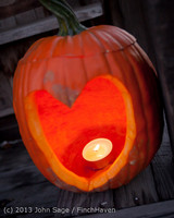 8999 Pumpkin Lighting at the Vashon Roasterie 102713