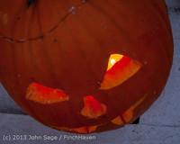 9008 Pumpkin Lighting at the Vashon Roasterie 102713