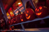 9031 Pumpkin Lighting at the Vashon Roasterie 102713