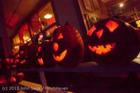9052 Pumpkin Lighting at the Vashon Roasterie 102713