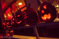 9055 Pumpkin Lighting at the Vashon Roasterie 102713