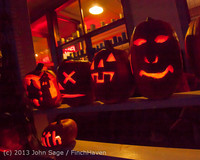 9056 Pumpkin Lighting at the Vashon Roasterie 102713