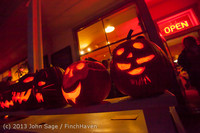 9061 Pumpkin Lighting at the Vashon Roasterie 102713
