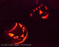 9080 Pumpkin Lighting at the Vashon Roasterie 102713
